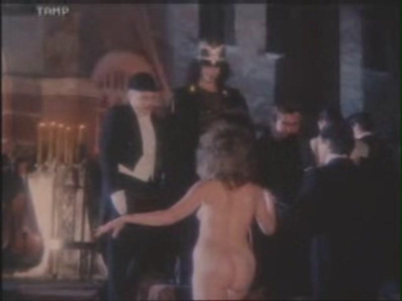 Порно фильм сексуальная рабыня онлайн приказал залезть
